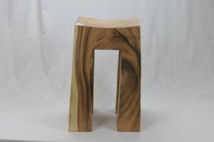 Taburete de madera modelo 1