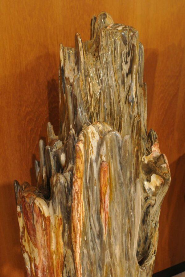 Sculpture petrified wood 19146