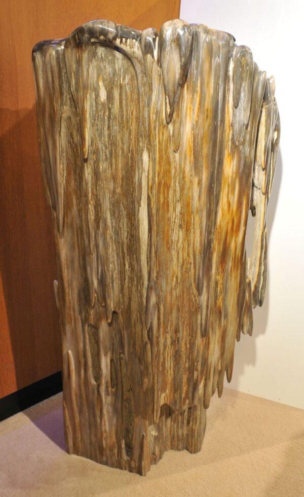 Sculpture petrified wood 19148