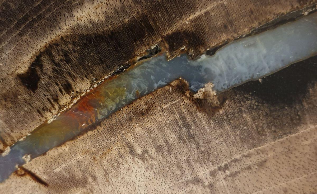Couchtisch versteinertes Holz 32330
