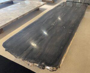 Tisch versteinertes Holz 33252