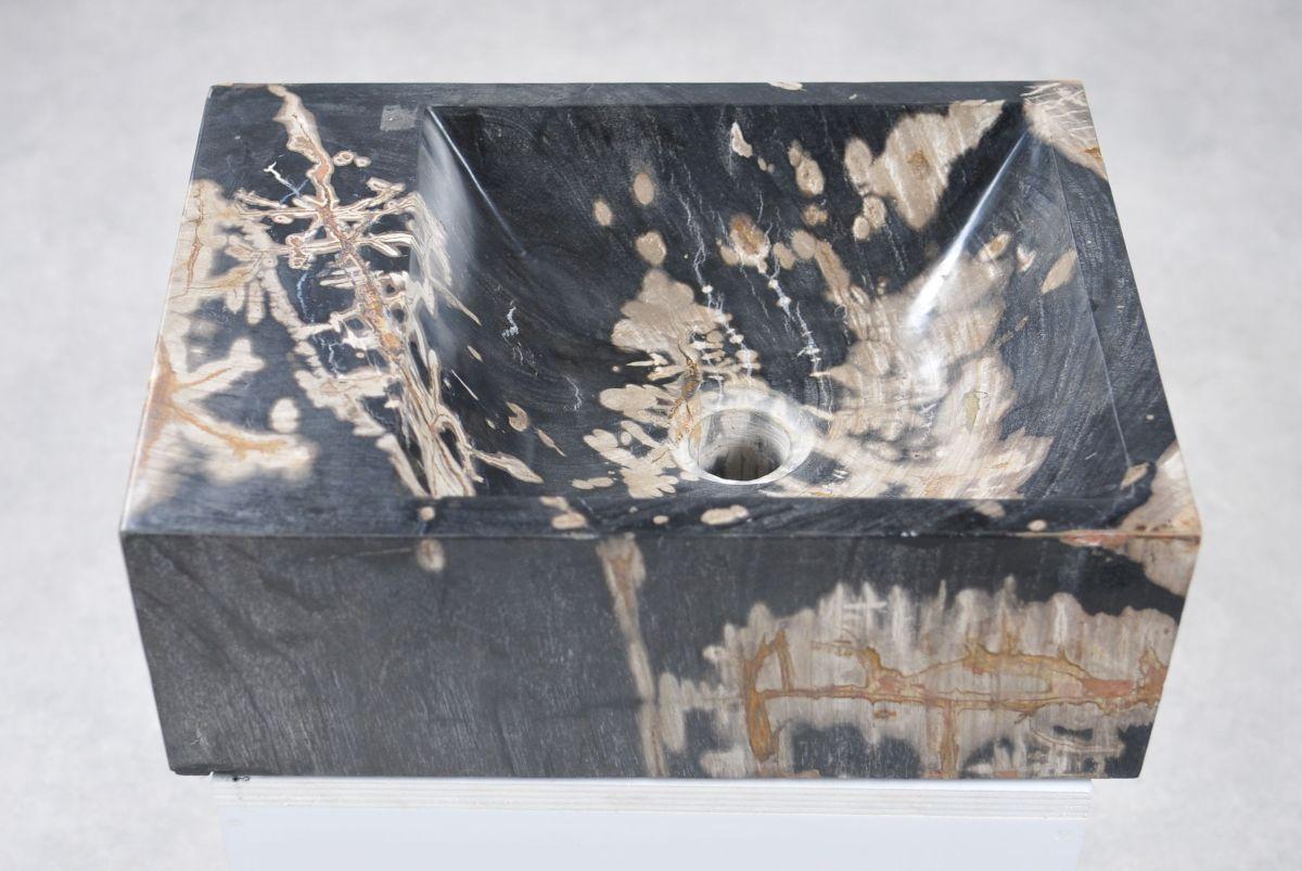 Wastafel versteend hout 34424