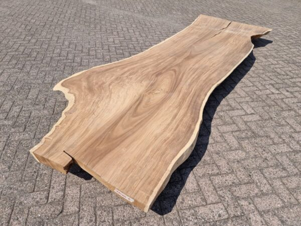 Live edge table suar 26504